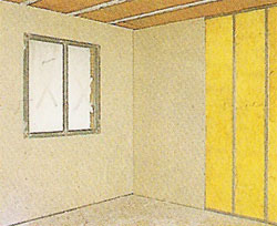 Pared donde se está instalando pladur con aislamiento térmico